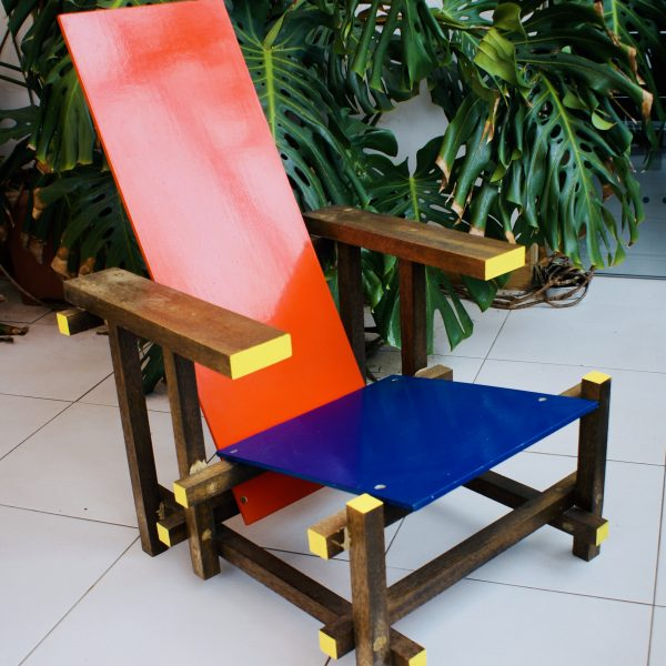 Rietveld's Red – Blue Chair